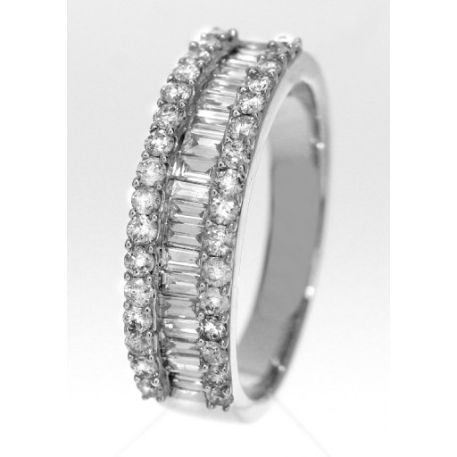 Baguette & Round Brilliant Cut Diamond Ring in 14K White Gold. 1.25 TDW